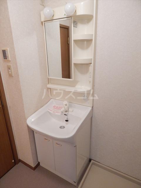 リヴィエールⅠ 01020号室の洗面所