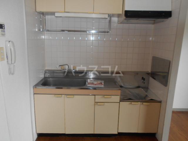 ファミリーステイツ1 03050号室のキッチン