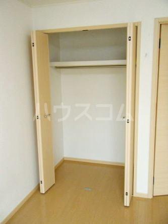 Tクレスト 01070号室の収納