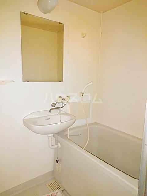 インフィールド春日部A 02020号室の風呂