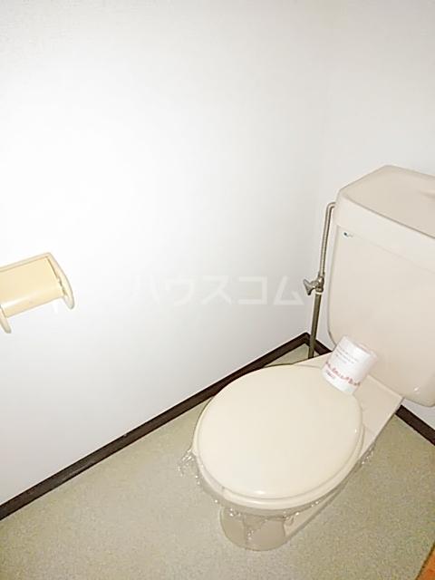 インフィールド春日部A 02020号室のトイレ