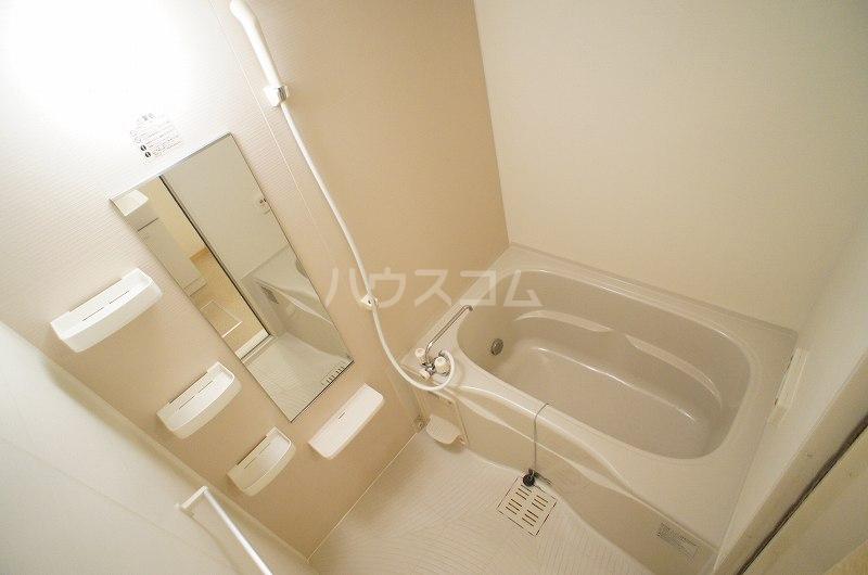 アルデンヌC 02010号室の風呂