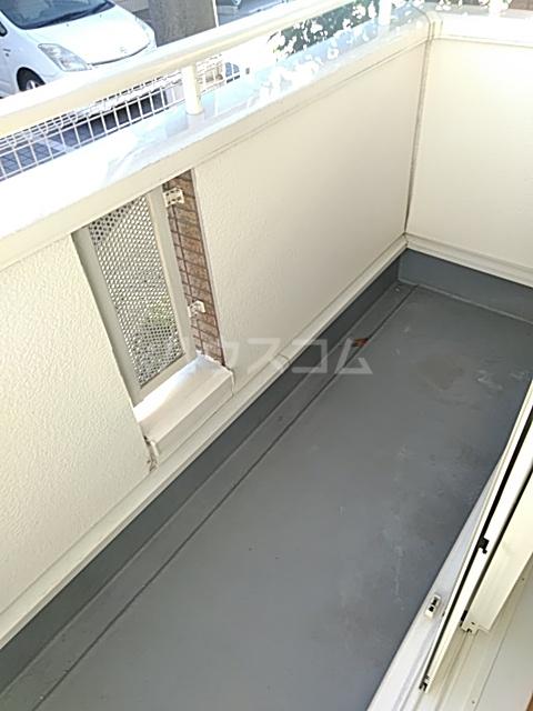 コンビ・ビアリテ 01010号室のバルコニー