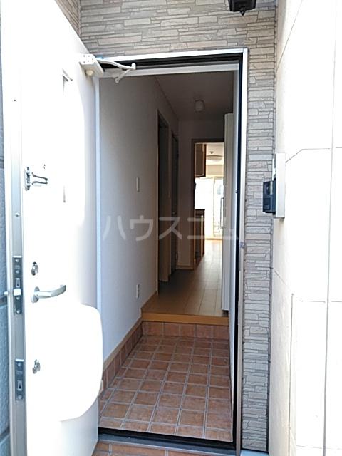 コンビ・ビアリテ 01010号室の玄関