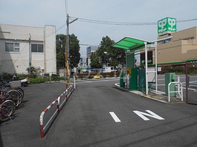 コンビ・ビアリテ 01020号室の駐車場