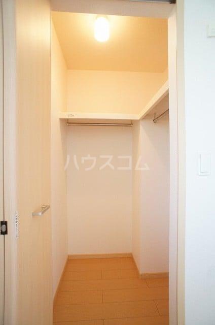 アンジュ・プレッソB 02010号室の収納