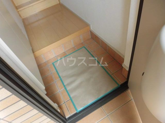 アルモニー 02010号室の玄関