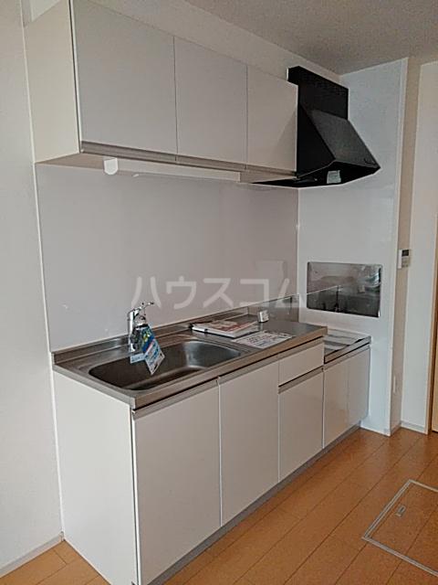 レジデンス アウル 01010号室のキッチン
