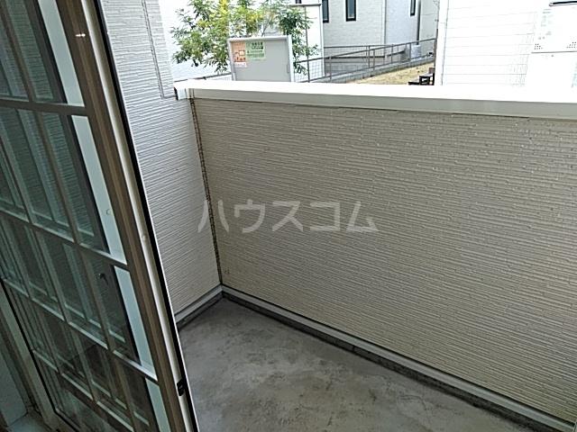 レジデンス アウル 01010号室のバルコニー