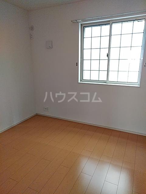 レジデンス アウル 01010号室の居室