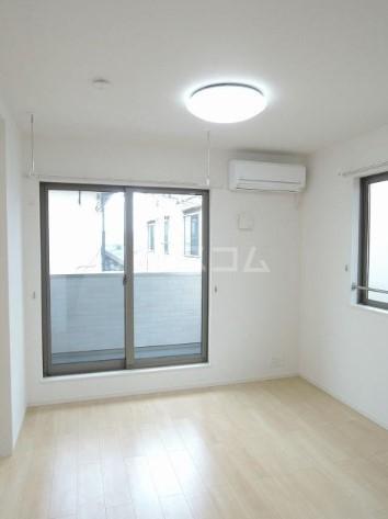 ミル グルージャ 02010号室の居室