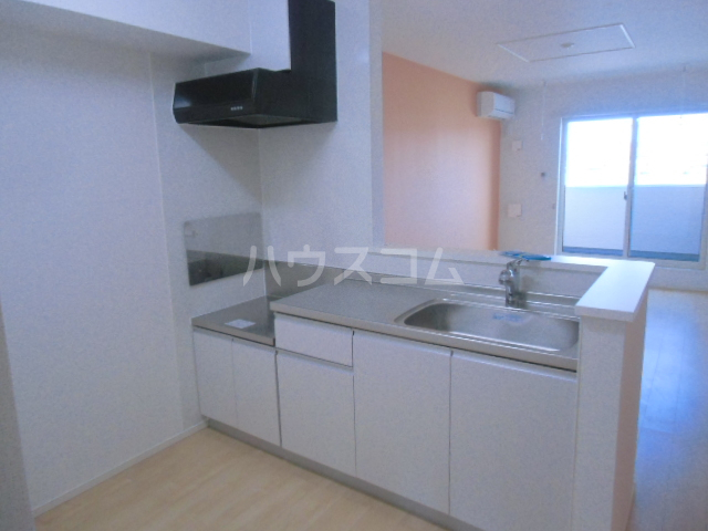 ベル ジャルダン 02040号室のキッチン