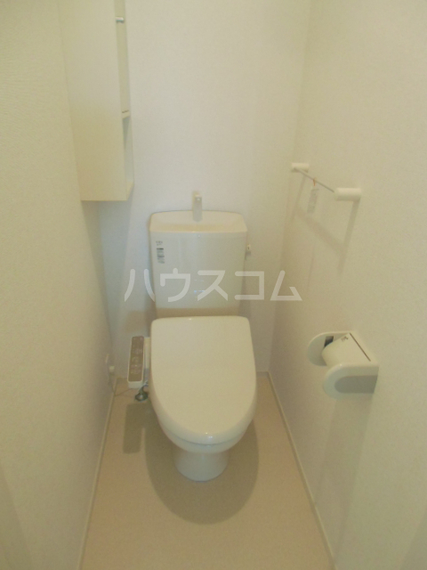 ベル ジャルダン 02040号室のトイレ
