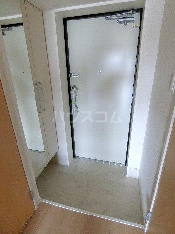 クラウンパレス 04040号室の玄関