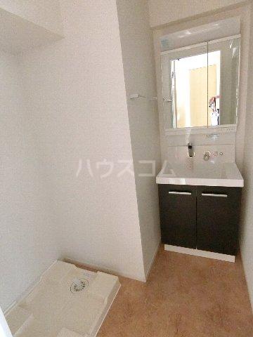 クラウンパレス 04040号室の洗面所