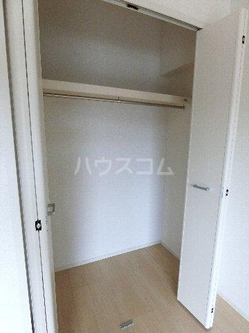 クラウンパレス 04040号室の収納
