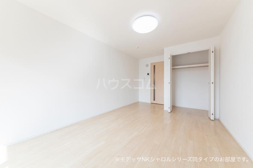 ラ・メール 01030号室の居室