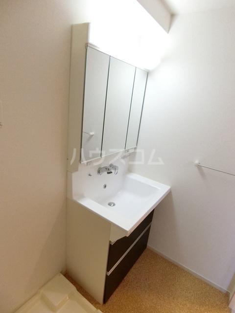 レジデンス22 05010号室の洗面所