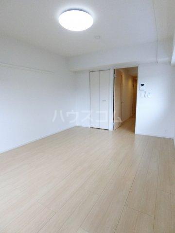 レジデンス22 06050号室のリビング