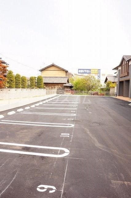 レジーナA 01010号室の駐車場
