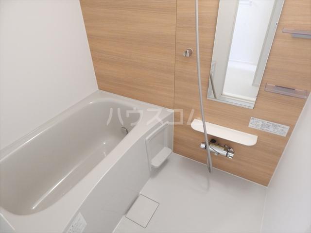 レジデンシアC 01040号室の風呂
