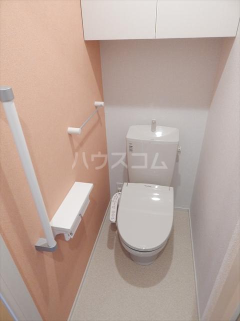 レジデンシアC 01040号室のトイレ