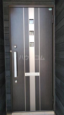 グラース ワイ 02010号室の玄関