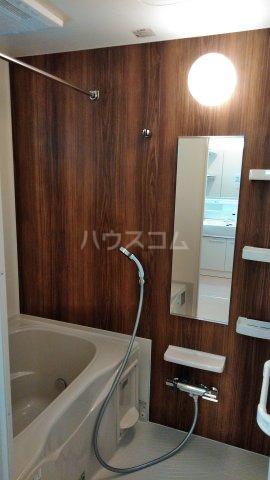 グラース ワイ 02010号室の風呂