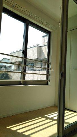 グラース ワイ 02010号室の居室