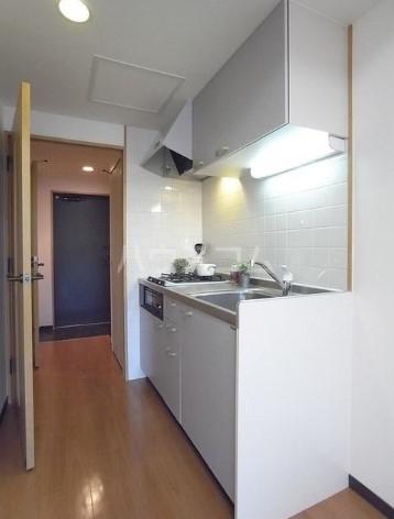 アーデン目黒通り 0213号室のキッチン