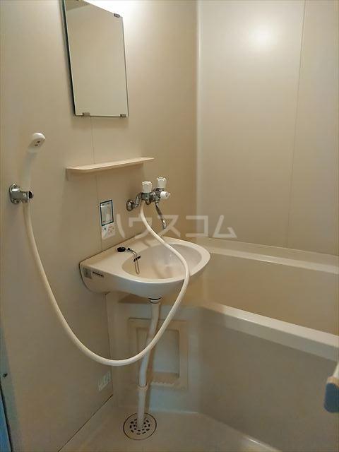 ドミール神明 102号室の風呂