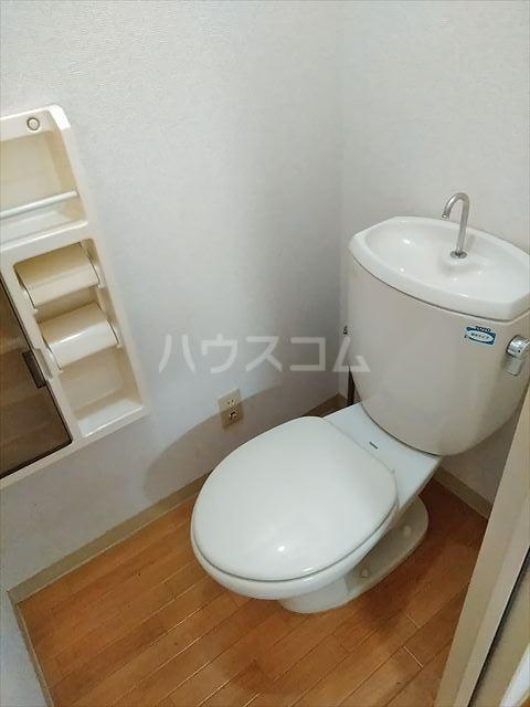 ドミール神明 102号室のトイレ