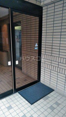 ワコーレ武蔵浦和 406号室のエントランス