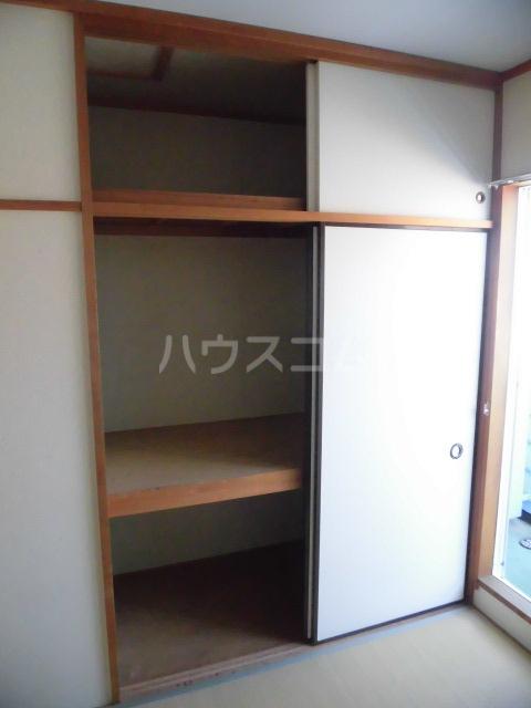 ストークハイツ五本木 202号室の収納