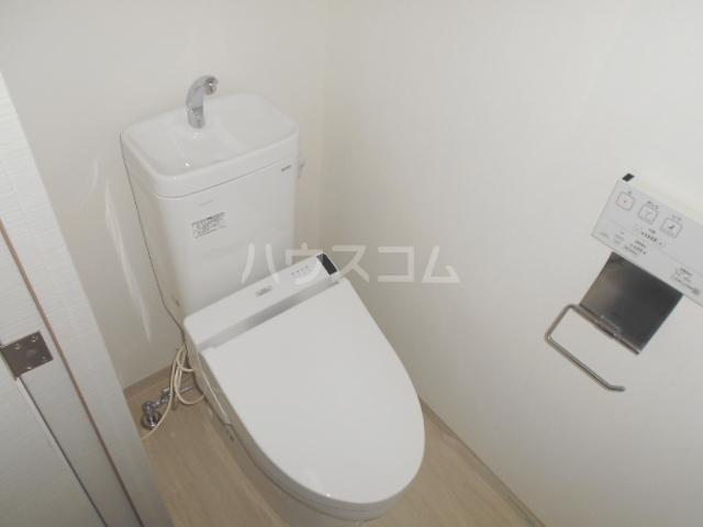 スカイコートパレス駒沢大学Ⅱ 104号室のトイレ