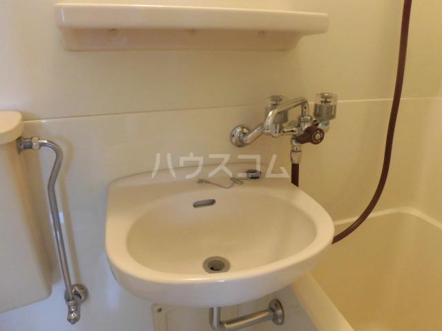エスパス八雲 402号室の洗面所