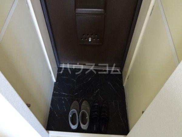 サカエフラット元住吉 402号室の玄関