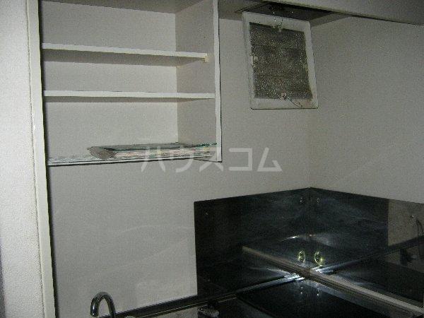 アーク・スクエア 0101号室のキッチン