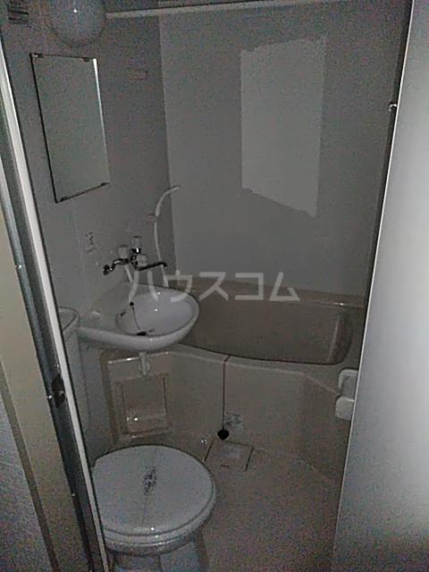 青葉台フラッツ 301号室の風呂