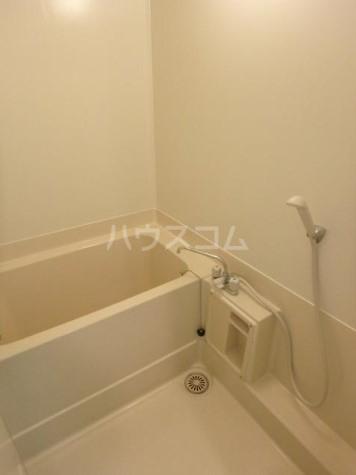 ファミール三田 203号室の風呂