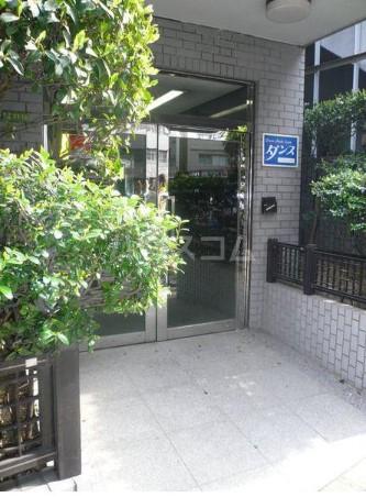 スカイビュー246 502号室の玄関