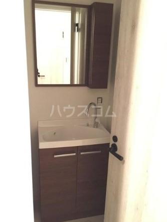 グリーンヒル鷹番 311号室の洗面所