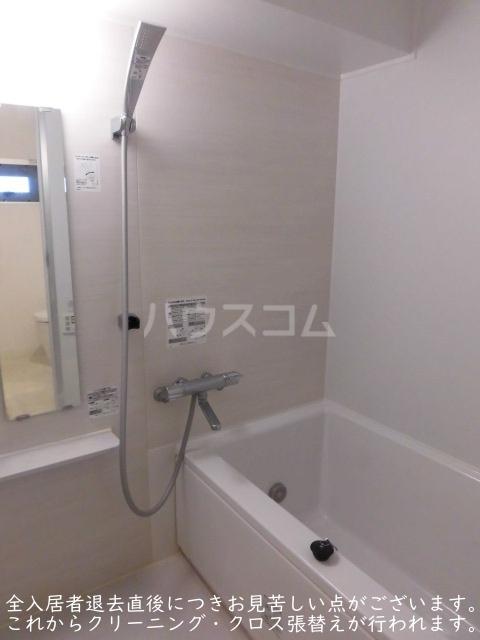 ソサエティ柿の木坂 イーストステージ 303号室の風呂