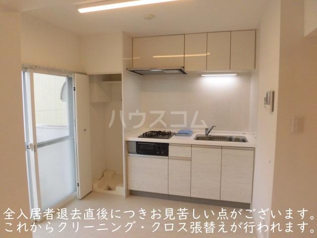 ソサエティ柿の木坂 イーストステージ 303号室のキッチン