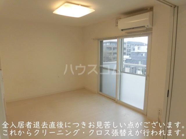 ソサエティ柿の木坂 イーストステージ 303号室のリビング