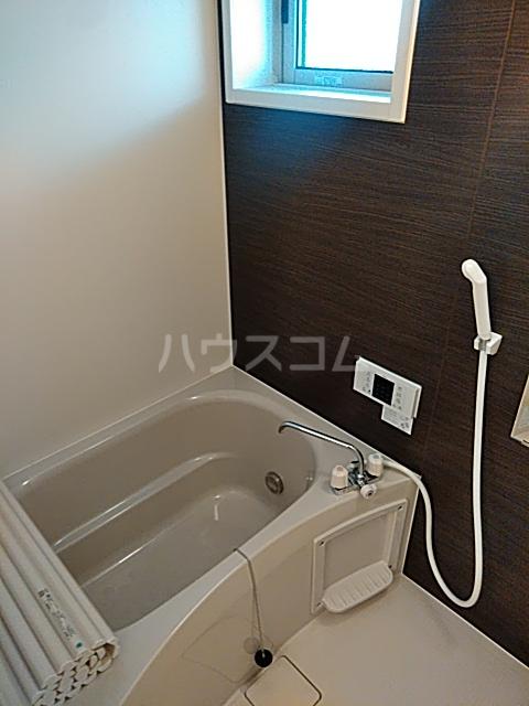 D-room思川マロン G 203号室の風呂
