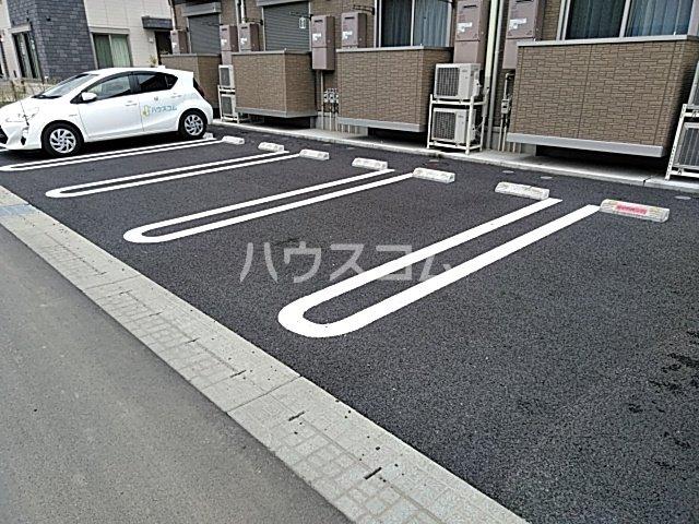 D-room思川マロン G 203号室の駐車場