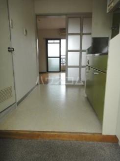 ハイタウン学芸大学 503号室の玄関