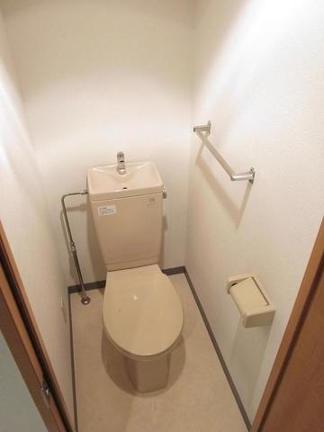 ラコルタ 404号室のトイレ