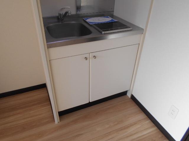 K corpo ナオイ 103号室のキッチン